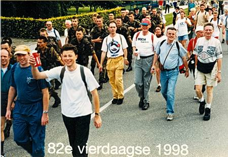 Resize_of_4daagse1998elst
