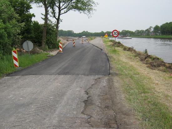 Begin vernieuwde kanaalweg vanaf afslag Mokkenburgweg.