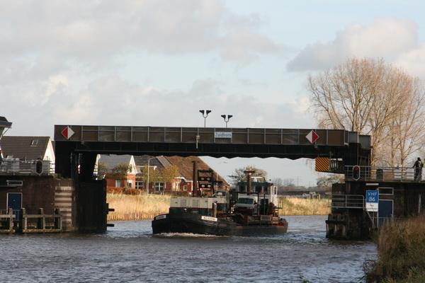 Huidige tafelbrug tussen Noord- en Zuidhorn