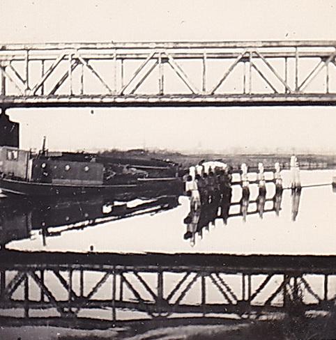LJL Doorkijk onder spoorbrug vanaf zuidwestzijde sept48 verkl